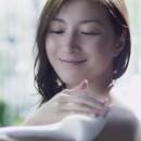 ロート ケアセラ ボディウォッシュ「洗いながら乾燥肌対策」篇 × 広末涼子 TVCM